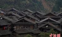 航拍贵州传统村落 乌公侗寨春色满目