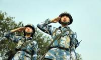 新兵连当指导员的女中尉,带的可都是男兵!