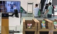 """8小澳门银河送彩金无间断运行自动充电 """"登陆""""日本的中国物流机器人亮相工博会"""