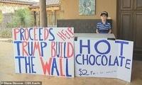 美国7岁男孩售卖热巧克力为特朗普建墙筹钱走红