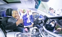 马来西亚总理马哈蒂尔参观杭州吉利集团