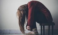 美国年轻人心理健康危机加剧 心理困扰更加普遍