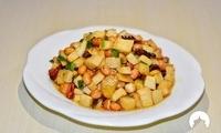 杏鲍菇跟花生米一起炒,下酒又下饭,老公说能多喝半斤白酒