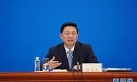 两会首场发布会回击抹黑言论 外媒:中国展现制度优势