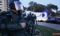 现场:法国超市发生人质劫持至少2死 枪手宣称效忠极端组织