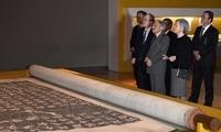 日本天皇夫妇看颜真卿真迹后感慨:珍贵的东西啊