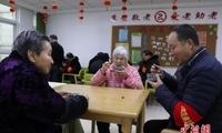 中国超4000万失能老年人面临照护难 护理人才缺口大