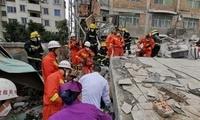 福州市仓山区一自建民房意外倒塌 10余人被困(图)