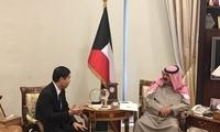 驻科威特大使王镝会见科威特外交部副大臣贾拉拉