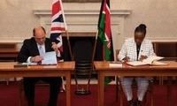 肯尼亚和英国签署新的防务合作协议